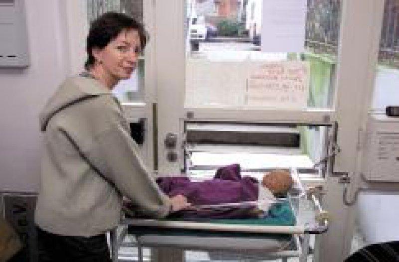 """Die """"Babyklappe"""" in Hamburg: Hier können Mütter anonym ihre ungewollten Babys abgeben. Foto: epd"""
