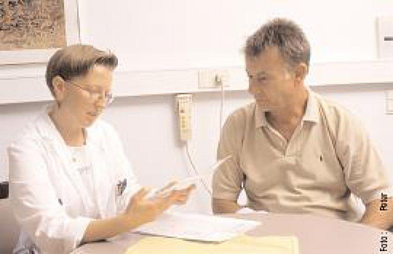 Der Arzt ist ethisch zuerst dem Wohl des einzelnen Menschen verpflichtet, der Hilfe sucht.