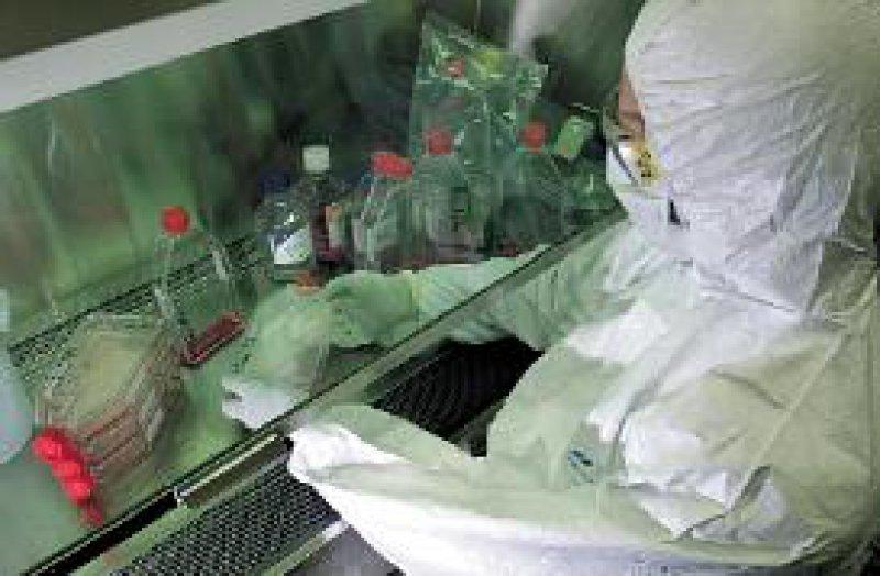 Im Rahmen des amerikanischen Biowaffen-Präventionsprogramms werden die ehemaligen russischen Biowaffenlabors mit moderner Technik ausgestattet. Foto: ddp
