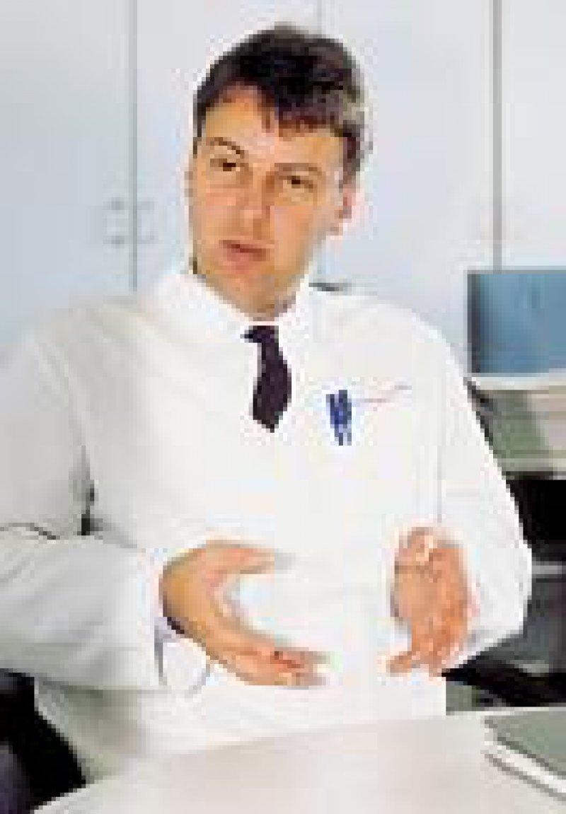 Prof. Dr. med. Oliver Brüstle will möglichst bald embryonale Stammzelllinien importieren. Foto: Eberhard Hahne