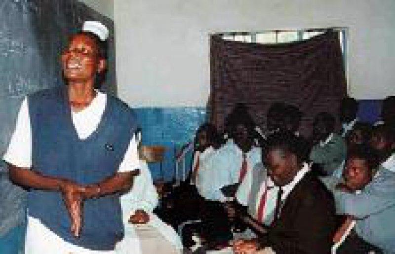 Bedingung für die Hilfe aus Deutschland war, dass die Kenianer ein Aids-Aufklärungs- und Beratungsangebot aufbauen. Foto: Hans Joachim Schinkel