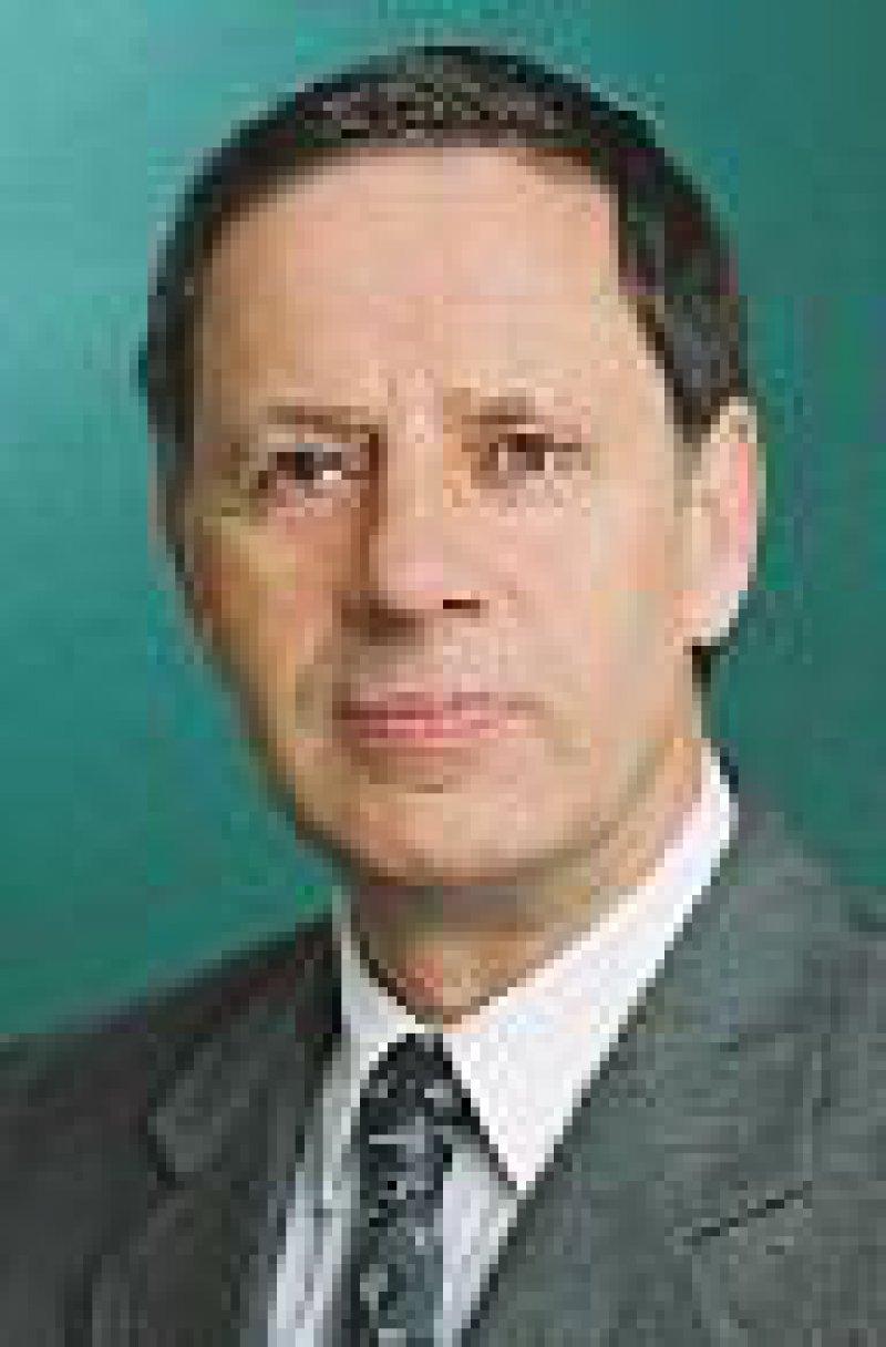 Der Präsident der Deutschen Krankenhausgesellschaft, Dr. Burghard Rocke, macht vor allem die gedekkelten Budgets für die Personalmisere verantwortlich. Foto: DKG