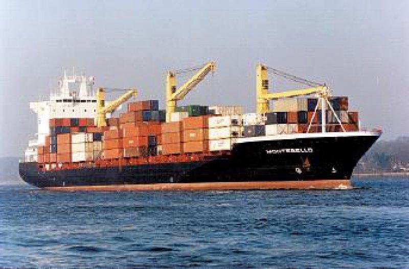 Voll beladen: Nur so fahren Containerschiffe Gewinne ein. Foto: HCI