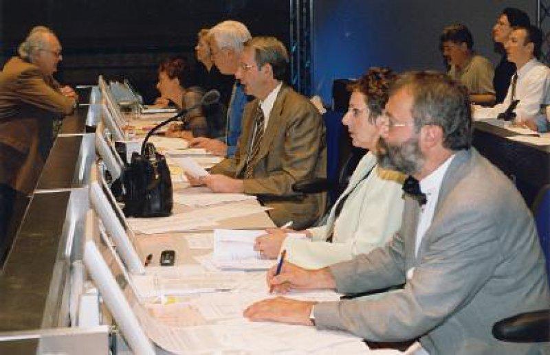 Der Antrag des Vorstands zur Novellierung einzelner Vorschriften der (Muster-)Berufsordnung wurde mit großer Mehrheit angenommen.