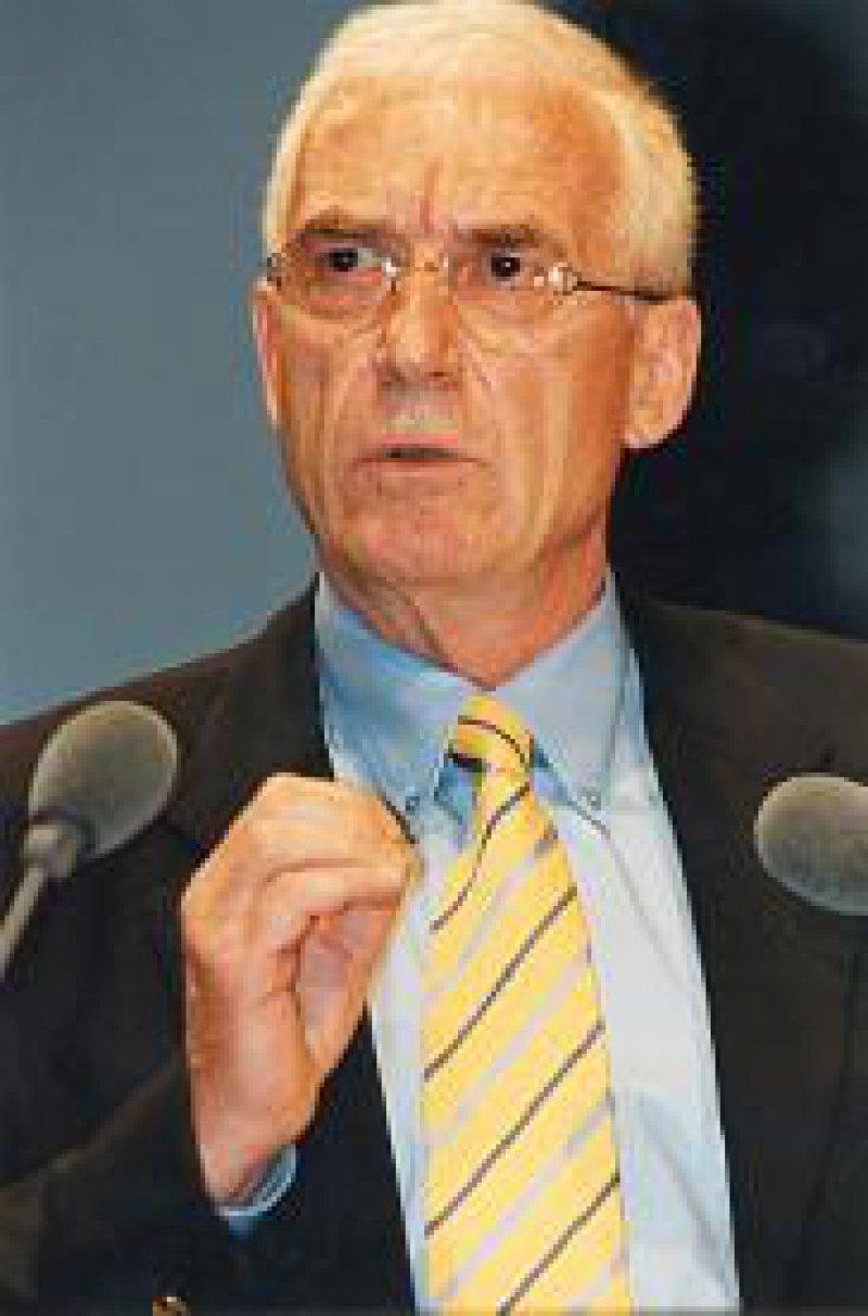 """Dr. Joachim Koch, Vorsitzender der Finanzkommission der Bundesärztekammer: """"Der Haushalt und die Steigerungsraten sind ausgewogen und passen in die Zeit."""""""