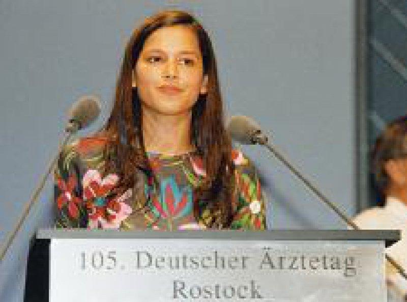 Jessica Wortmann von der German Medical Students' Association (GeMSA) stellte in Rostock ihre Organisation vor.