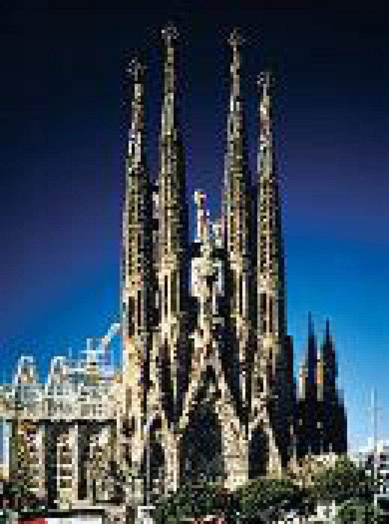 Die Sagrada Familia in Barcelona von Antonio Gaudí. Unten: Mercado de la Boqueria
