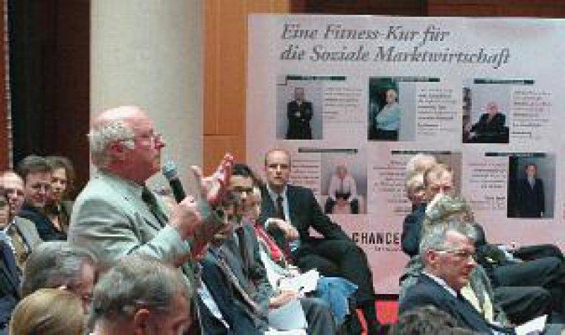 Sozialpolitiker Blüm: Der Sozialstaat strebt nach Gerechtigkeit, die Soziallehre nach Solidarität. Fotos: Chance für alle