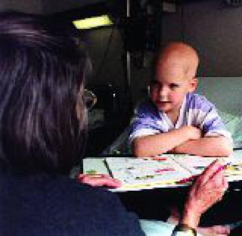 Der Betreuungsaufwand für Kinder ist höher als bei Erwachsenen. Foto: David Ausserhofer/JOKER