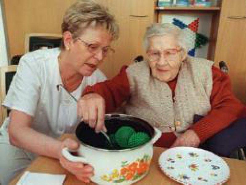 Die Betreuung Demenzkranker erfordert Geduld, Ruhe und Kreativität. Foto: dpa