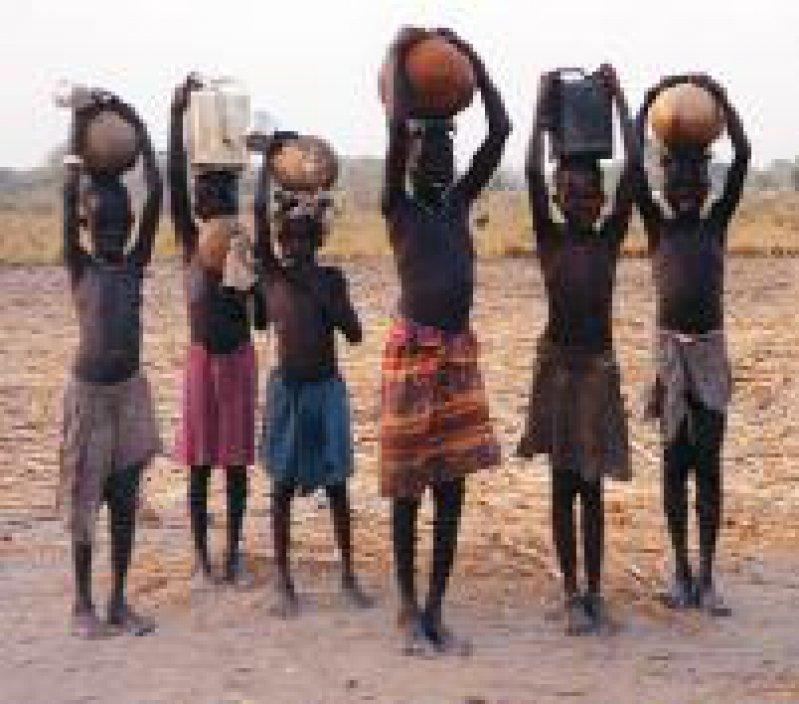 Seit Jahren betreibt Ärzte ohne Grenzen ein Hilfsprojekt im Süd-Sudan. Fotos: Sabine Kampmüller