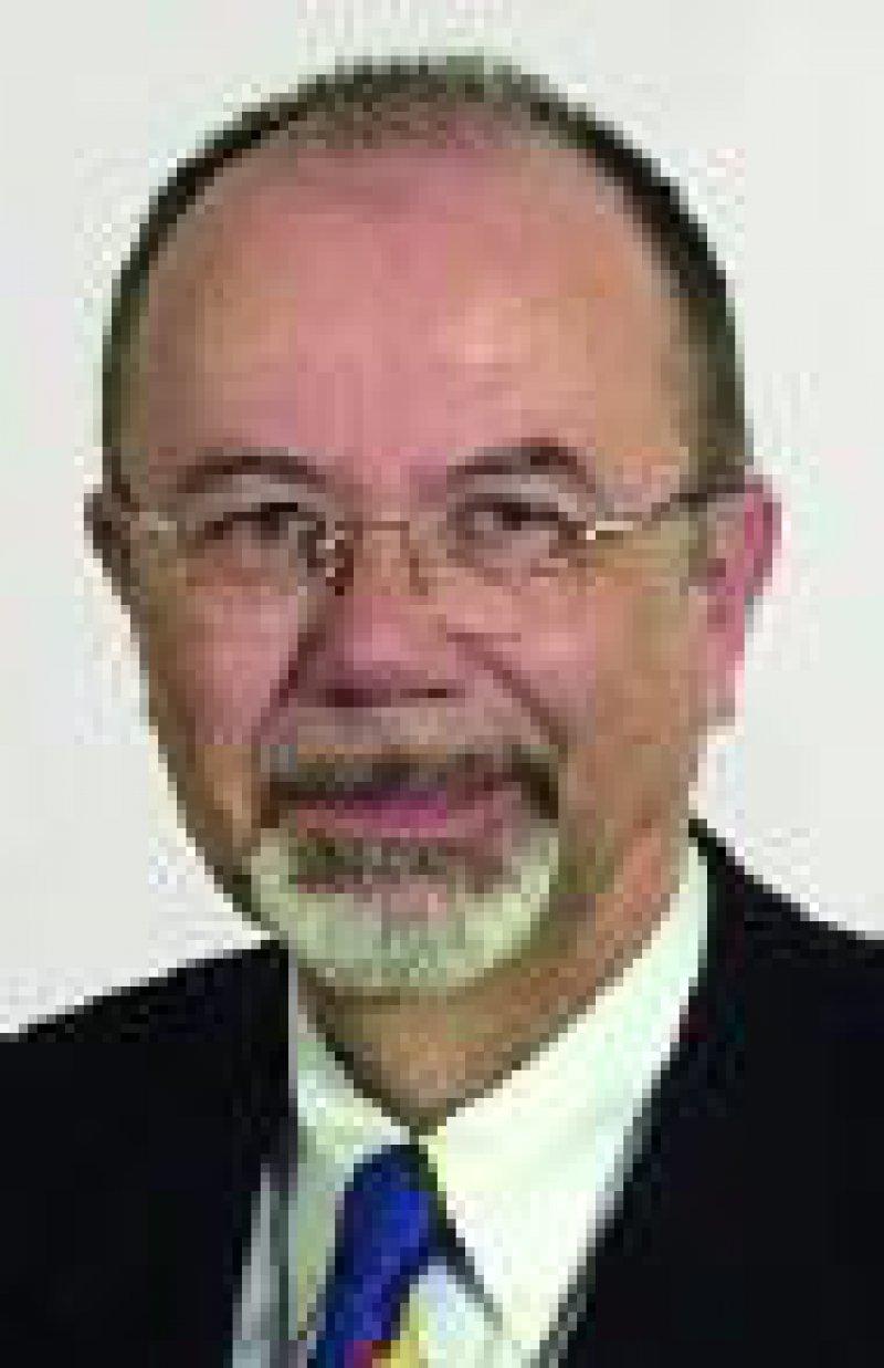 """Dr. Volker Oeding, Vorsitzender des Verbandes der Diagnostica- Industrie: """"Das Gesundheitswesen ist nicht durch stupides Sparen zu retten."""" Foto:VDGH"""