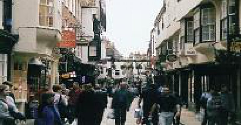 York: Die mittelalterlichen Gassen der Altstadt laden zum Bummeln ein. Foto: Heike Korzilius