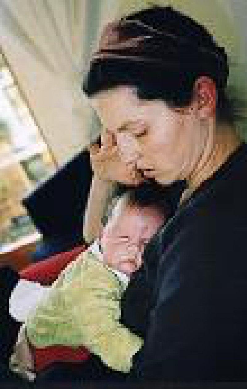 Zehn bis 15 Prozent der Mütter leiden unter postpartalen Depressionen. Foto: Agentur Becker & Bredel