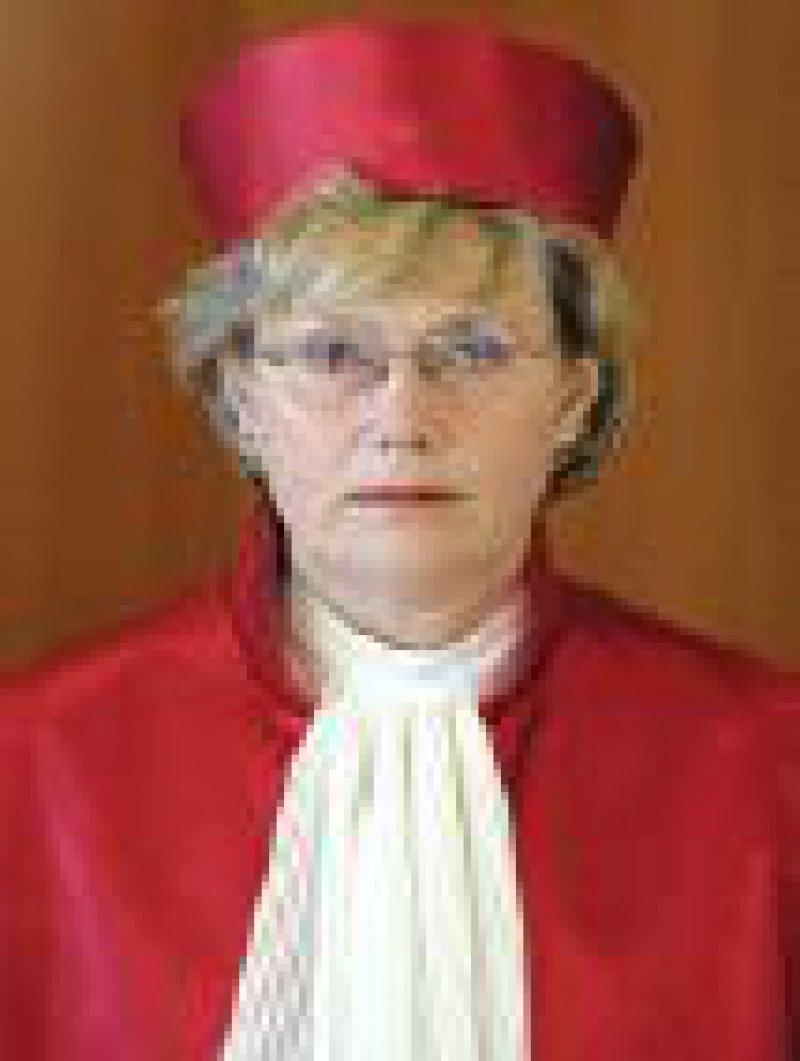 Renate Jaeger: Nicht die Verfassung, sondern die Politik entscheidet.
