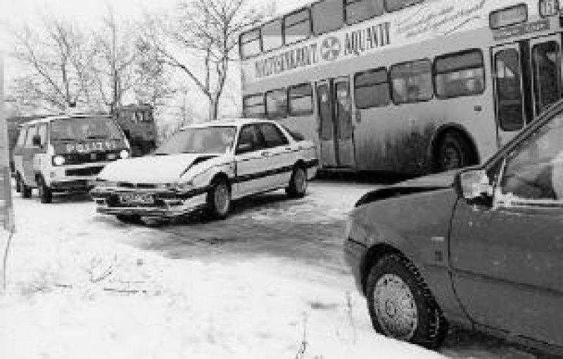 Plötzlich einsetzende Schneefälle, Eisregen oder Glätte am Morgen verursachen oft Massenunfälle. Foto:ADAC/gp