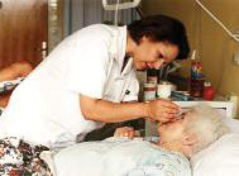 Etwa jeder Dritte leidet im Alter von 85 Jahren an drei oder mehr Krankheiten. Foto: Ines Baier/Joker