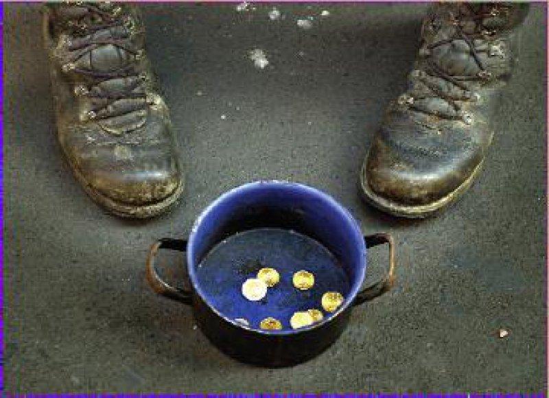 In Deutschland ist arm, wer weniger als 600 Euro im Monat zur Verfügung hat.
