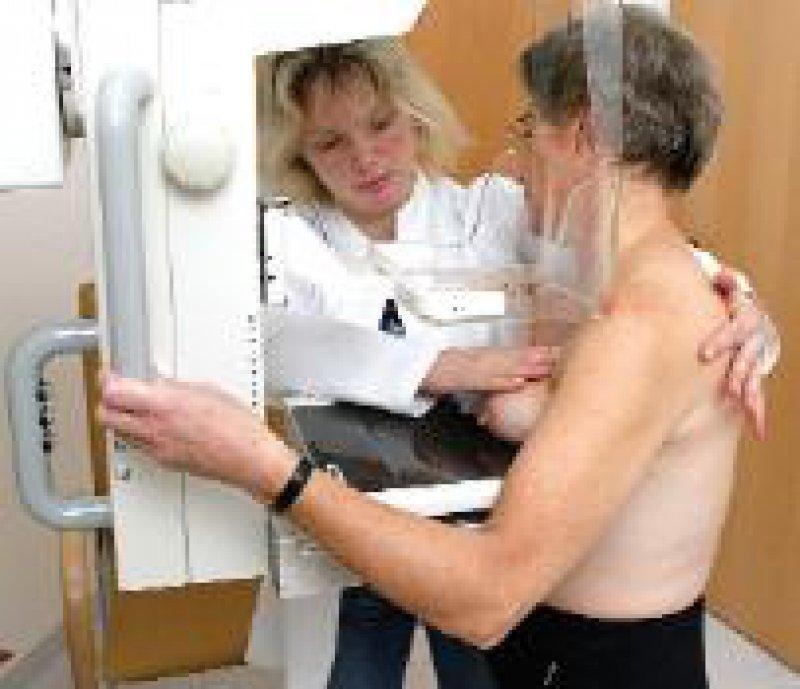 Bis 2005 soll das Mammographie-Screening flächendeckend eingeführt werden. Foto: phalanx
