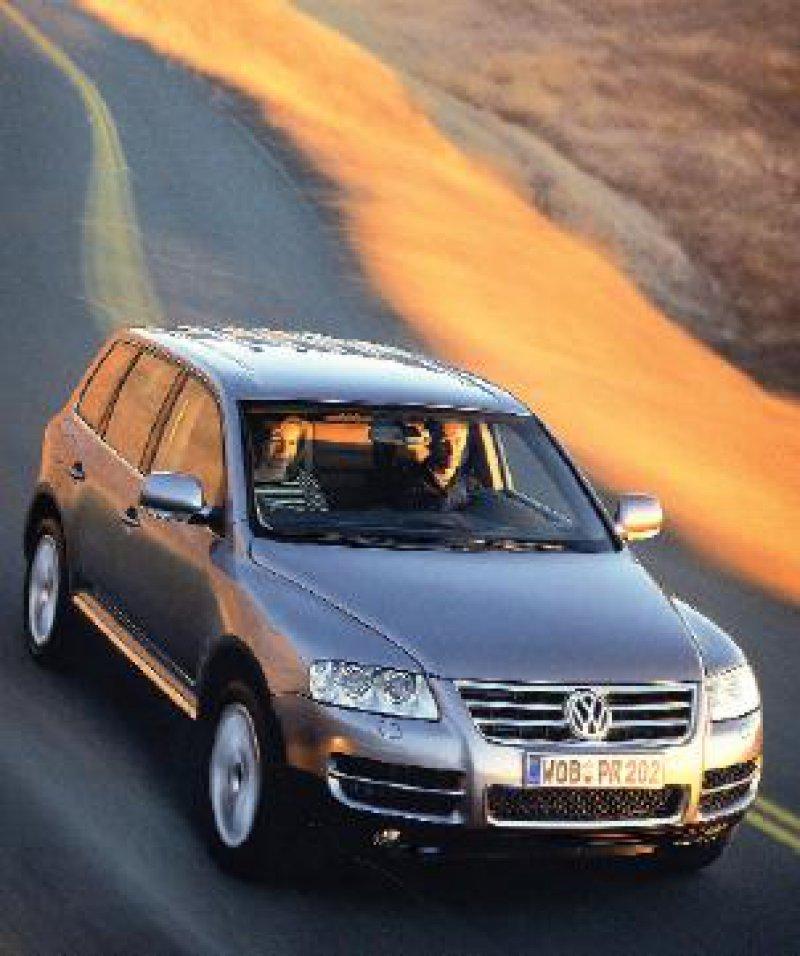 Auf alle Anforderungen eingestellt: Der VW Touareg bietet viel Komfort auf der Straße und ist zudem absolut geländetauglich. Werkfotos