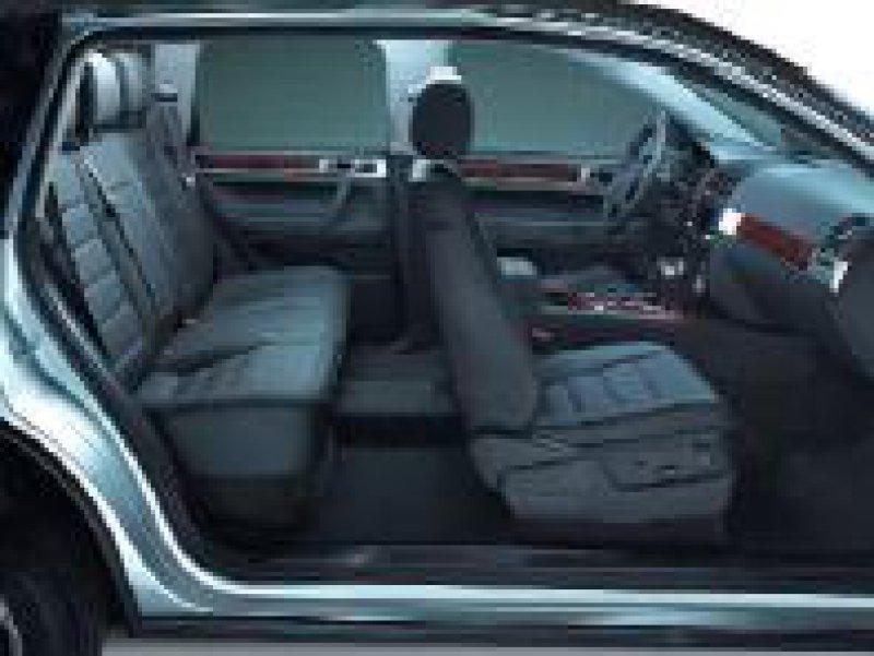 Ansprüche: Die hochwertige Verarbeitung entspricht der einer Oberklassen-Limousine.
