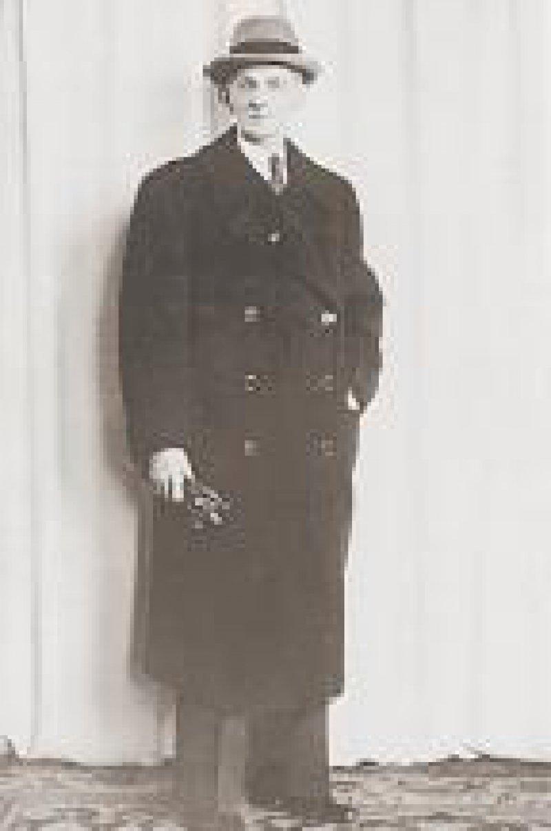 Otto Weidt: In seiner Besenfabrik fanden Juden Zuflucht vor den Nazis. Sieben Monate lang hielt er eine vierköpfige jüdische Familie versteckt.