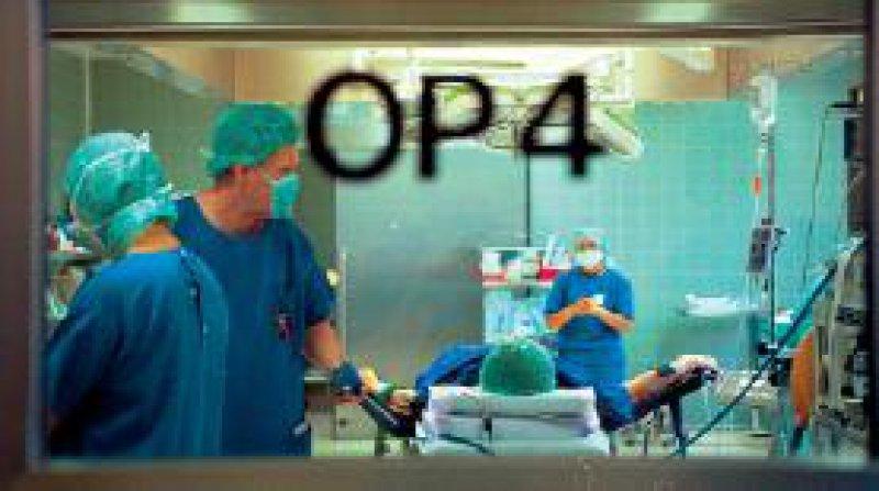 Kein Patient wünscht sich übermüdete Ärzte im OP. Foto: dpa