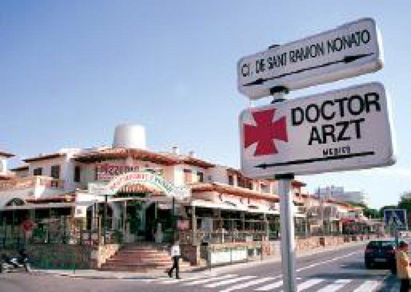 Wer im europäischen Ausland zum Arzt geht, muss derzeit noch den Vordruck E 111 vorlegen. Foto: Caro/Dobiey