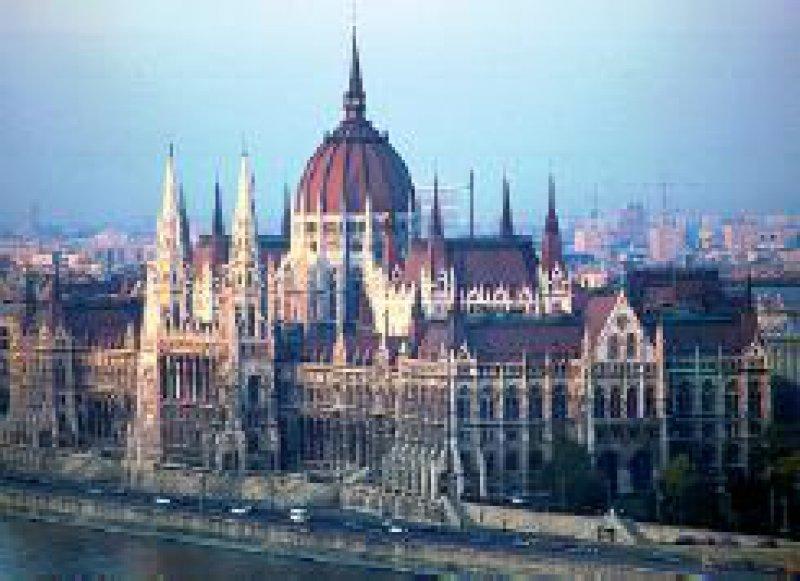 In Budapest und zwei weiteren Städten treffen sich im Juni die ehemaligen deutschen Medizinstudenten. Foto: dpa