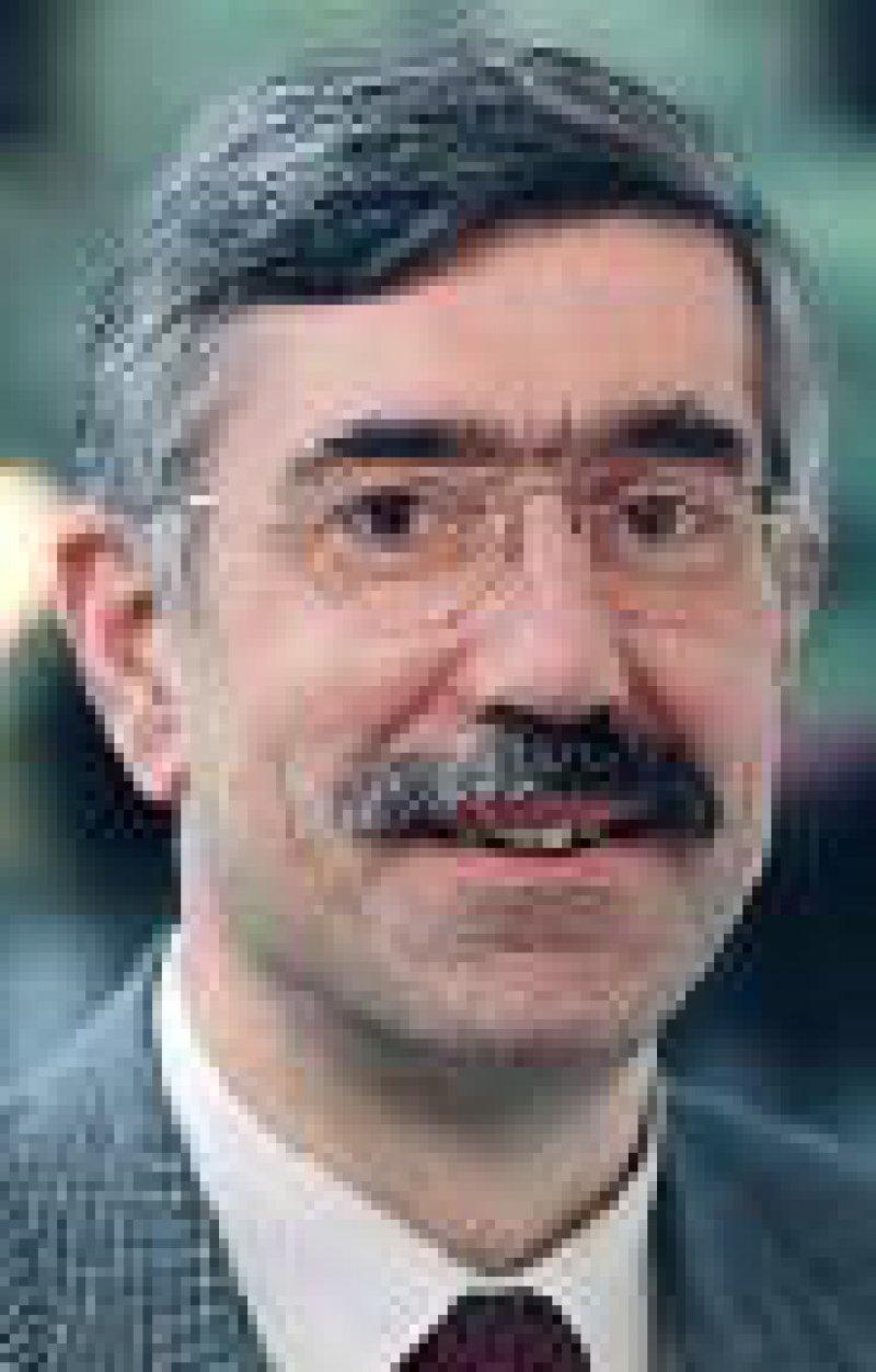 Dr. med. Leonhard Hansen, Zweiter Vorsitzender der Kassenärztlichen Bundesvereinigung: Die Praxis wird zeigen, ob Einsparungen möglich sind. Foto: KBV