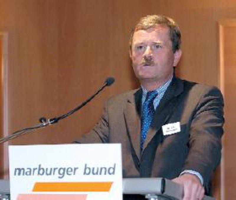 """Frank Ulrich Montgomery: """"Die Tabaksteuer kann nicht dazu benutzt werden, Hans Eichels Etat gesund zu rauchen."""""""