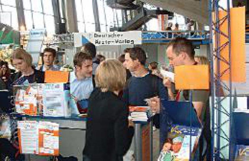 Mehr als 10 000 junge Ärzte und Medizinstudenten besuchten in den vergangenen fünf Jahren den Via medici Kongress in Mannheim. Auch in diesem Jahr in Bochum zählten die Veranstalter circa 2 000 Teilnehmer. Foto: Thieme