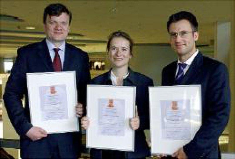 Von links: Priv.-Doz. Dr. Tilman Grune, Dr. Christina Sander und Dr. Jens Thiele Foto: privat