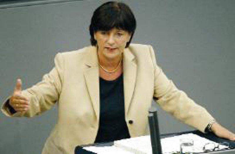 Bundesgesundheitsministerin Ulla Schmidt appelliert an das eigene Lager, den Kompromiss nicht klein zu reden. Foto: ddp