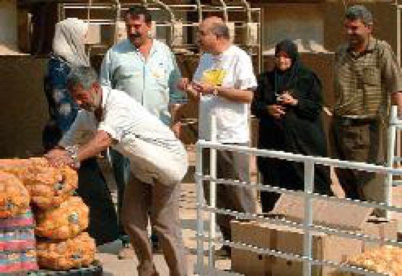 Hilfstransporte für Bedürftige werden angesichts der prekären Sicherheitslage immer schwieriger. Foto:ADH