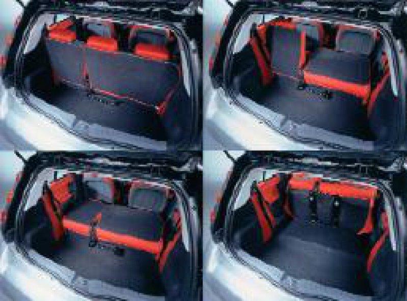 Die multivariable Rücksitzbank des Smart forfour ist um 15 Zentimeter längenverstellbar. Werkfotos