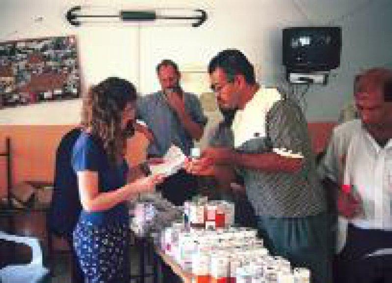 Zur medico-Projektförderung gehört eine israelisch-palästinensische mobile Klinik in der Westbank. Foto: medico international
