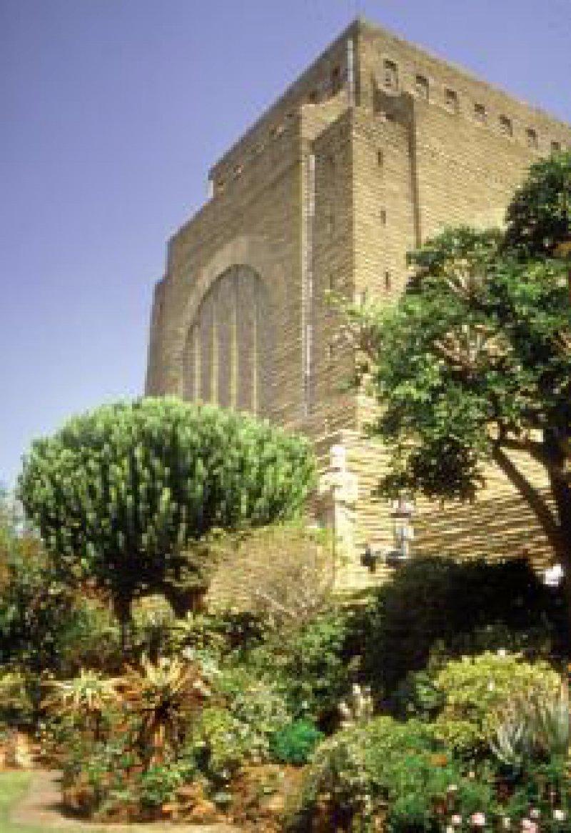 Das Vortrekker Monument, ein Wahrzeichen von Pretoria, das an den großen Treck von 1838 erinnert.