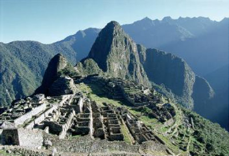 Peru: Machu Picchu. Oben: Galapagos, Meeresechse Fotos: Knipper-Kimmel-Reisen