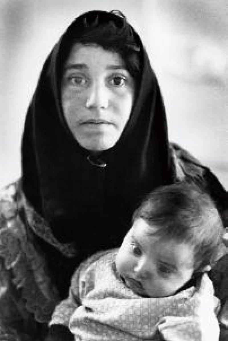 Mutter mit an Leukämie erkranktem Kind Fotos: Gabriele Senft