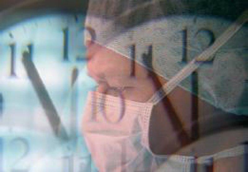 Gerichte befassen sich mit den Bereitschaftsdiensten von Klinikärzten. Fotos: BilderBox, DAK