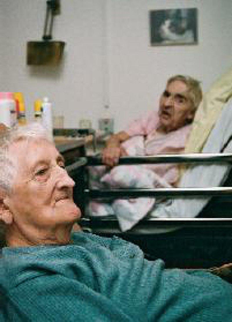 Professionelle Versorgung älterer Menschen in Senioreneinrichtungen Fotos: Daniel Rühmkorf