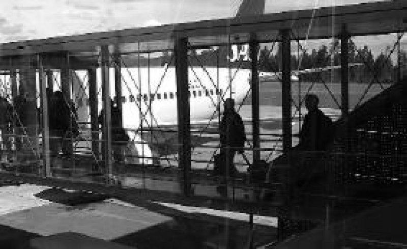 Vor längeren Auslandsaufenthalten sollte der Versicherungsschutz überprüft werden. Foto: SAS