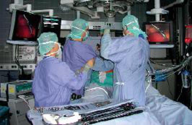 Die Entwicklung in der Chirurgie schreitet rasch voran. Krankenhausstrukturen müssen angepasst werden. Foto: Siemens