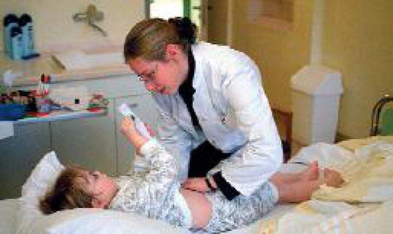 Klinische Arzneimittelprüfungen: Zusätzliche Untersuchungen sind auch ohne individuellen Nutzen gestattet. Foto: Caro