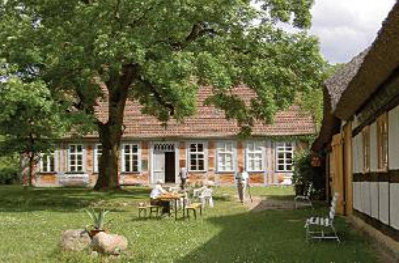Das heutige Museum, damals das Pfarr- und Wohnhaus der Schliemanns