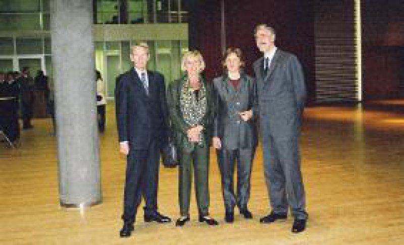 Festakt in Düsseldorf: Hoppe, Schiefer, Fischer und Hansen (v. l.) Foto: bre/ÄkNo