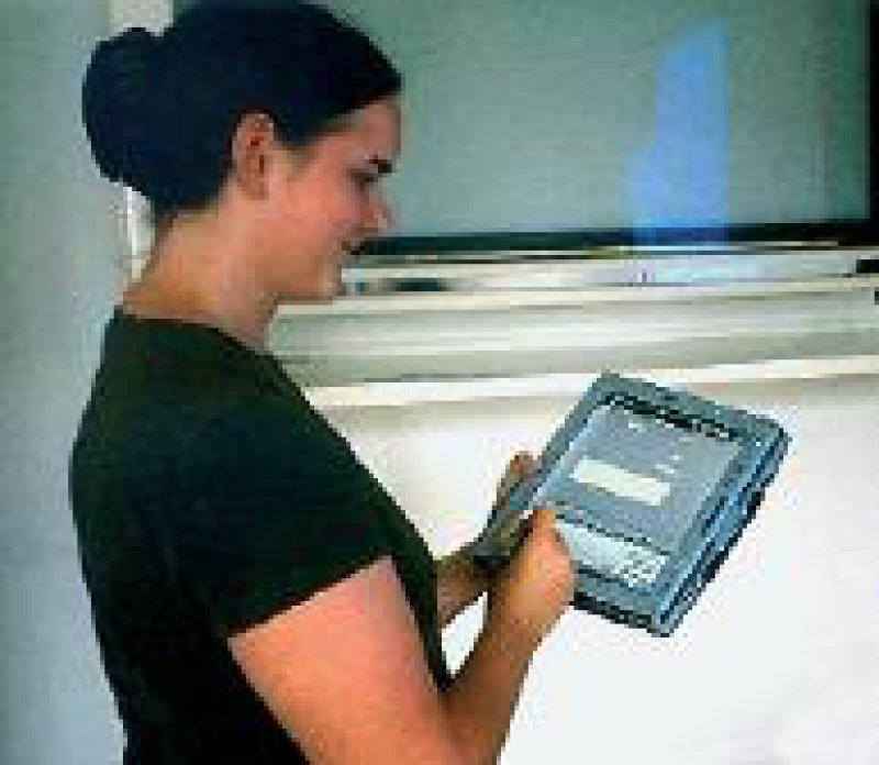 Evaluation der neuen Tablet-PCs mit integrierter Handschrifterkennung (XClin) für die Datenerfassung in klinischen Studien am KKS Düsseldorf Foto: Kuchinke