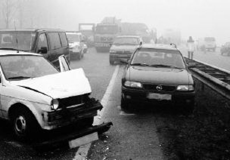Unfallschäden müssen innerhalb einer Woche schriftlich bei der Autoversicherung angezeigt werden. Foto:ADAC/GP