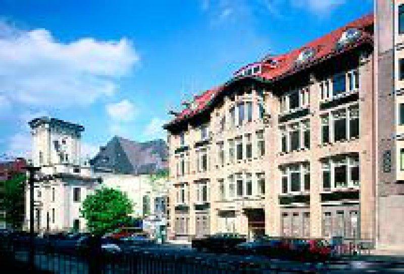 Die neuen Geschäftsräume: Das ehemalige Warenhaus Tietz an der Klosterstraße wurde zwischen 1870 und 1875 erbaut. Foto:Walter Huthmacher